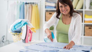 كيفية كي الملابس بأنواعها المختلفة: أهم 12 نصيحة للكوي بالطريقة المثالية