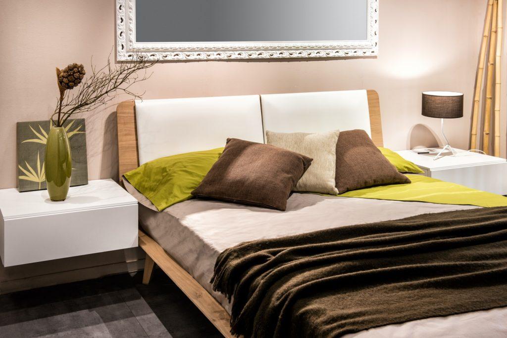 تصميم غرف نوم صغيرة المساحة للعرسان