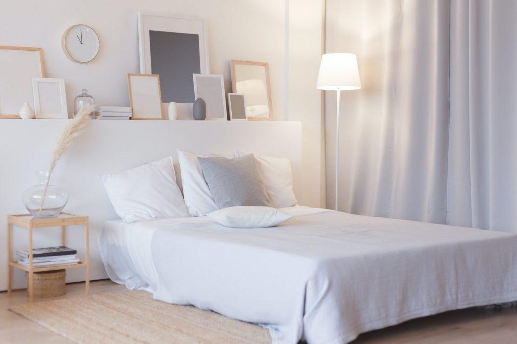 ألوان غرف نوم صغيرة للعرسان