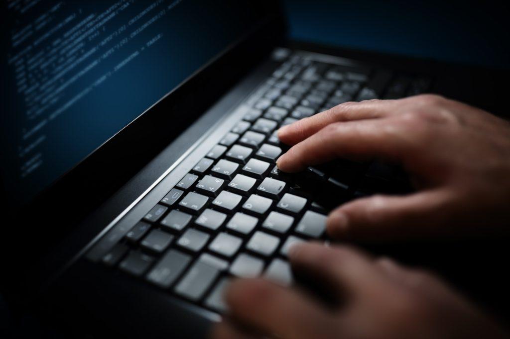 خطوات تعلم الكتابة على الكمبيوتر بسرعة