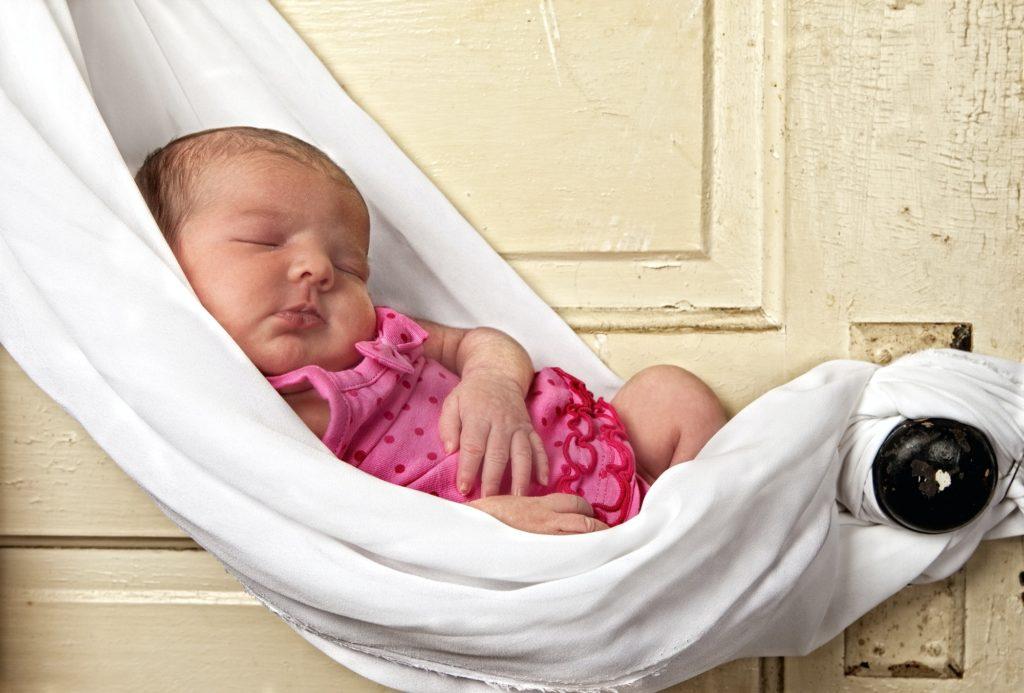 متى أذهب للطبيب لـ التخلص من قشرة رأس الرضيع؟