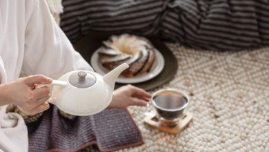 تنظيف بقع الشاي من الملابس